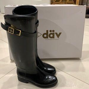 Dav Tall Black Rainboots. Size 6.